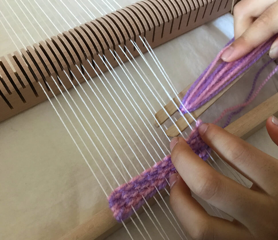 織り機の使い方の説明書も付いています