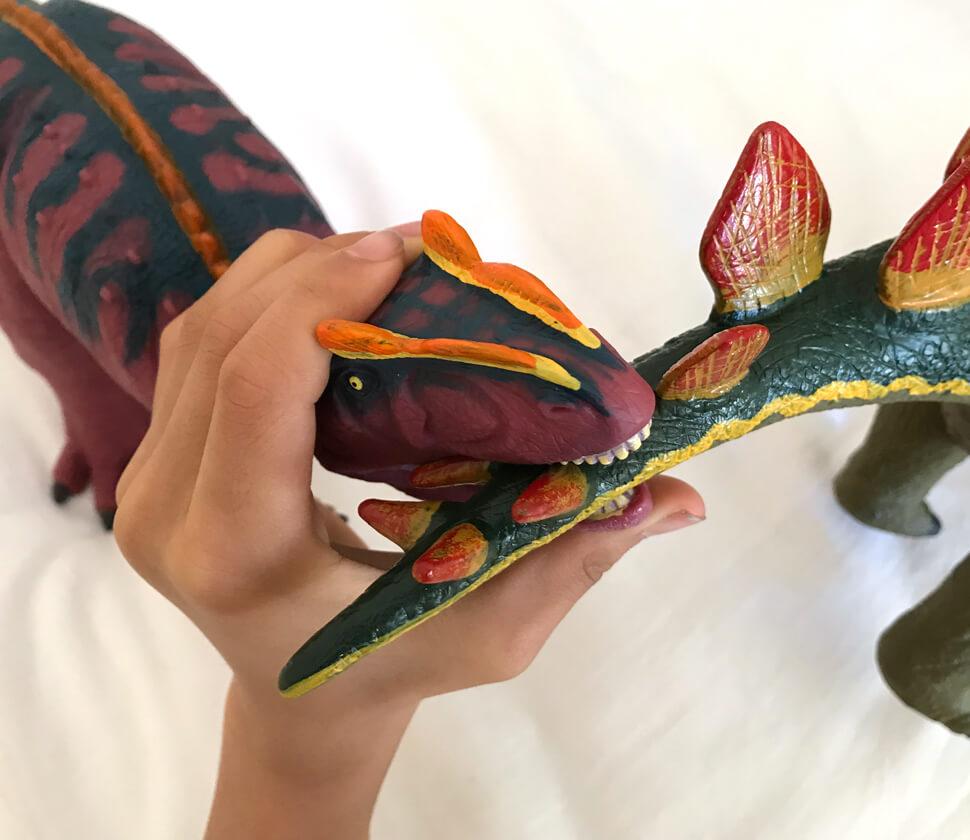アロサウルス ビニールモデル