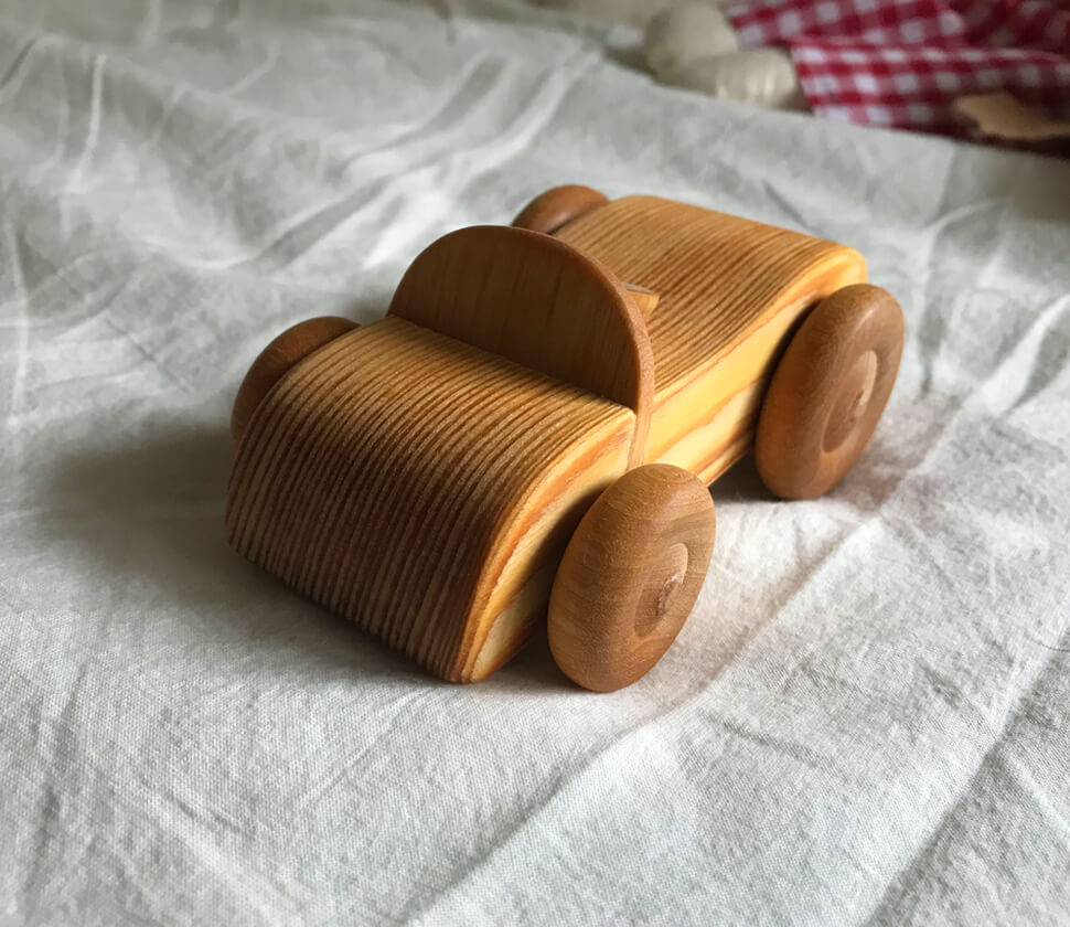 Small sports car(北欧のオープンカー)