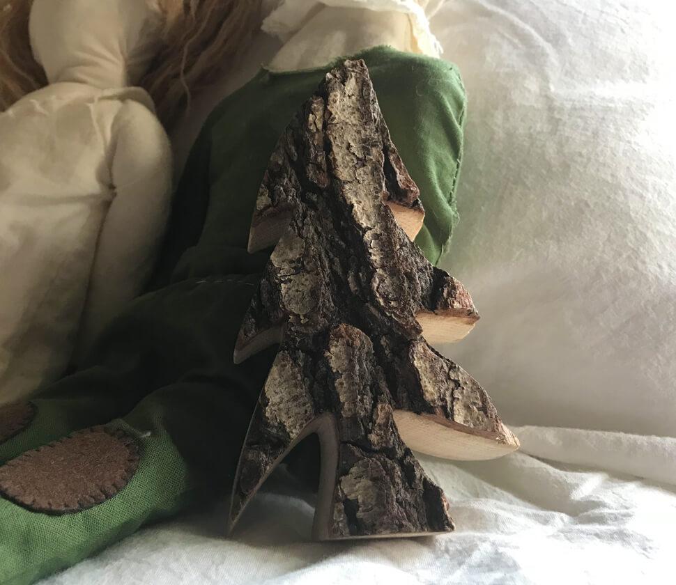 木製のインテリア雑貨「もみの木」